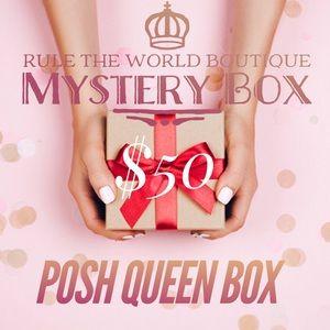 POSH QUEEN MYSTERY BOX 👸🏽